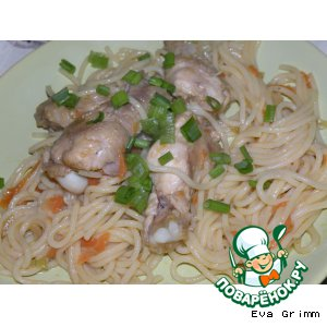 Chicken wings with noodles