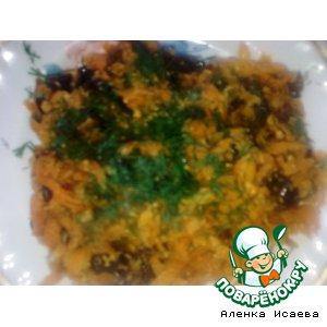 Рецепт: Морковь тушеная с черносливом в микроволновке