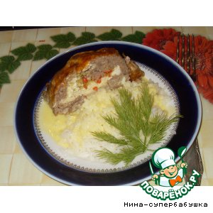 Рецепт: Мясной рулет с яйцами под сырной корочкой