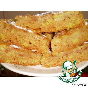 Рецепт: Постный бисквитный яблочный пирог