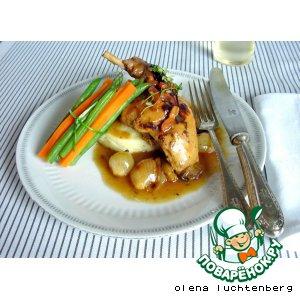 Рецепт: Кролик в винном соусе с луком-шалотом