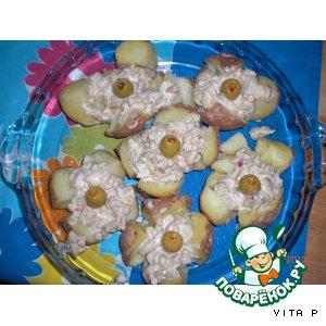 Рецепт: Картошка  с соусом из оливок