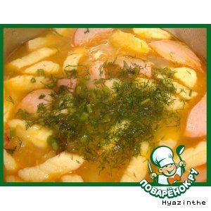 Рецепт: Суп из кислой капусты с сосисками