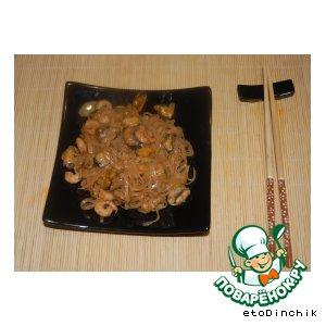 Рецепт: Рисовая лапша с мидиями и креветками