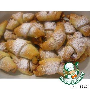 Рецепт: Рогалики с клюквенно-ореховой начинкой