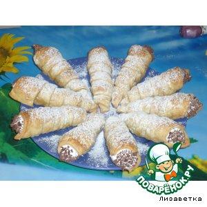 Рецепт: Слоeные трубочки с белковым кремом