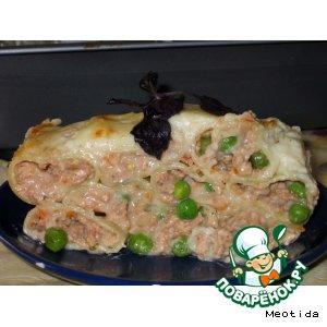 Рецепт: Каннеллони с тремя видами мяса и зеленым горошком