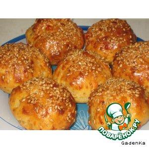 Рецепт: Пикантные сырные булочки с ветчиной