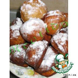 Рецепт: Пончики с абрикосками и персиками