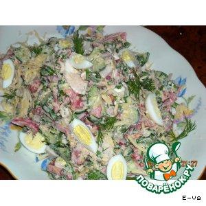 Рецепт: Свежий весенний салат с бужениной и перепелиными яйцами