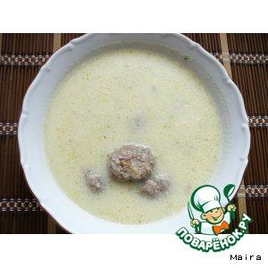 Рецепт: Суп-пюре из цветной капусты с фрикадельками