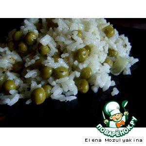 Рецепт: Рис с зеленым горошком, луком и тимьяном