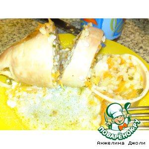 Рецепт: Кальмары, фаршированные рисом и ананасами