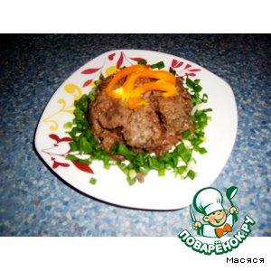 Рецепт: Мясо в соусе из слив