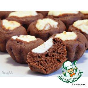 Рецепт: Шоколадные маффины-ватрушки с творожной начинкой