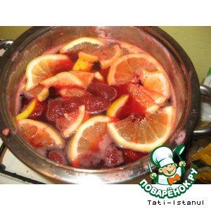 Рецепт: Клубничное варенье с пряной горчинкой
