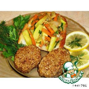 Рецепт: Котлеты в кунжуте с овощным гарниром