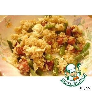 Рецепт Кау пад колбасини - жареный рис с колбасой и зеленой фасолью