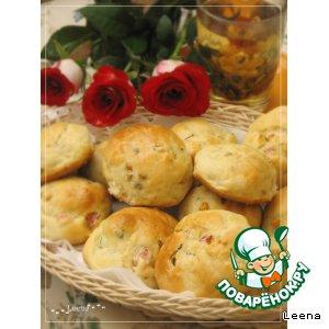 Рецепт: Сконсы с копченой грудинкой, базиликом и кукурузой