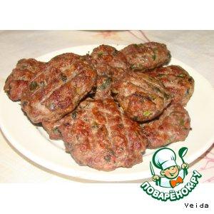 Рецепт: Котлета на решетке барбекю Кюфтета на скара
