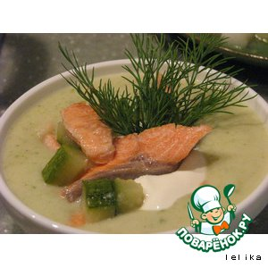 Рецепт: Крем-суп из кабачков с форелью