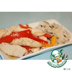 Рецепт: Куриное филе с тушеными овощами в соевом соусе