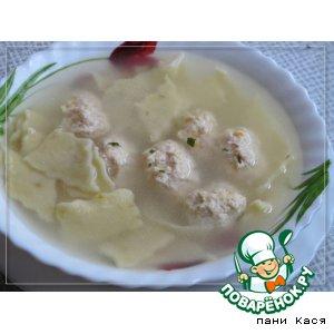 Рецепт: Суп с куриными клецками и домашней лапшой