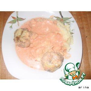 Рецепт: Котлеты под сыром в соусе