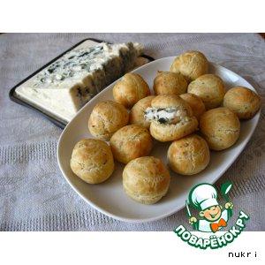 Рецепт: Профитроли с голубым сыром