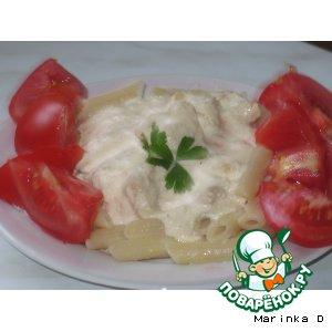 Рецепт: Кусочки куриного филе в сырно-сливочном соусе