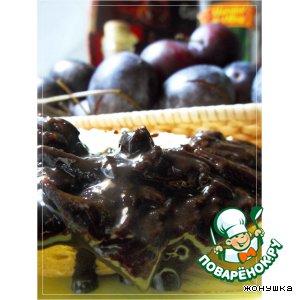 Рецепт: Варенье Шоколадная слива с лесными орехами