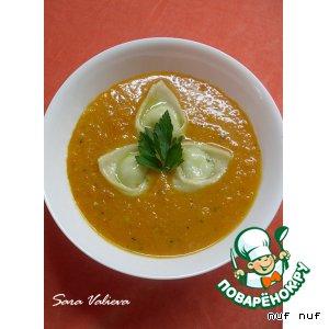 Рецепт: Тыквенный суп-пюре с равиоли