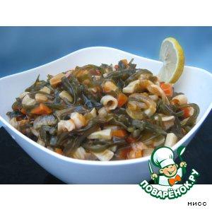 Рецепт: Солянка из морской капусты и кальмара
