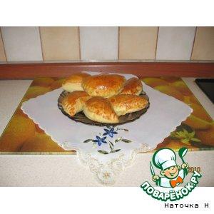 Рецепт: Пирожки с мясом, грибами и твердым сыром