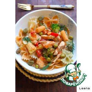 Рецепт: Фарфалле (бантики) с неаполитанским томатным соусом