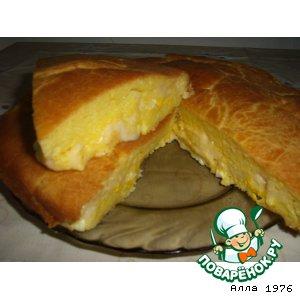 Рецепт: Пирог с сыром, луком и яйцом