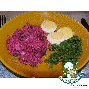 Рецепт: Салат из свеклы с копченой курицей