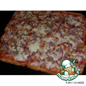 Рецепт: Пицца с тунцом и луком