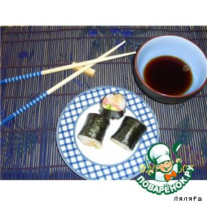 Рецепт: Суши с красной рыбой и авокадо