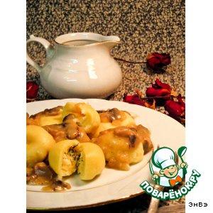 Рецепт: Картофельные кнели с брынзой под грибным соусом