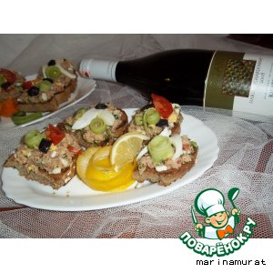 Рецепт: Сэндвич с тунцом и овощами