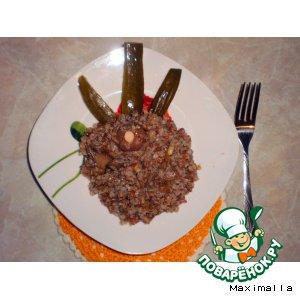 Рецепт Гречневая каша с маринованными маслятами, луком и домашней аджикой