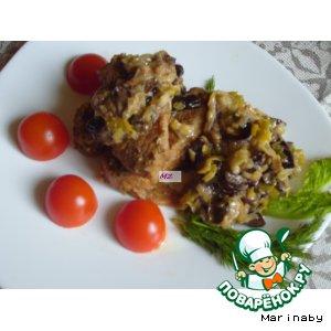 Рецепт: Медальоны из свинины с соусом из лука-порея и чернослива