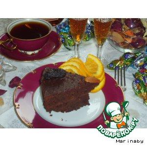 Рецепт: Шоколадный торт с черносливом и миндалем