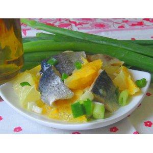 Салат из сельди с апельсинами и лимонами