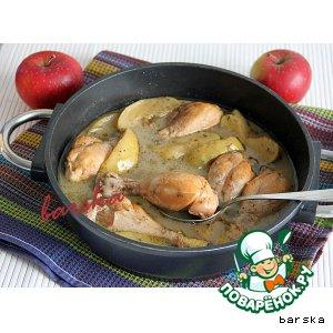 Рецепт: Куриные голени в яблоках