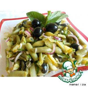 Рецепт: Салат из стручковой фасоли с маринованными огурцами
