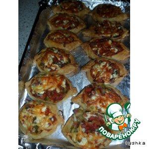 Рецепт: Слоеные маленькие пиццы