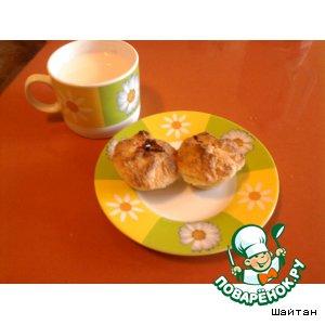 Рецепт: Клубнично-смородиновые кексики из песочного теста