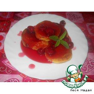 Рецепт: Сырники с вишневым соусом